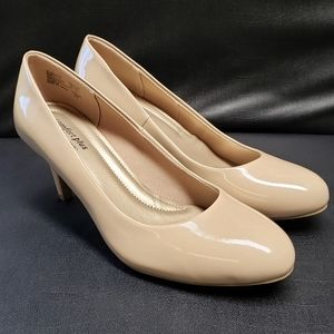 Comfort Plus By Predictions Patten Leather Heels